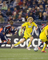 Columbus Crew forward Steven Lenhart (32) accelerates at midfield. The Columbus Crew defeated the New England Revolution, 1-0, at Gillette Stadium on October 10, 2009.
