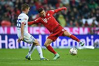FUSSBALL  1. BUNDESLIGA  SAISON 2015/2016  24. SPIELTAG FC Bayern Muenchen - 1. FSV Mainz 05       02.03.2016 Niko Bungert (li, 1. FSV Mainz 05)  gegen Robert Lewandowski (re, FC Bayern Muenchen)
