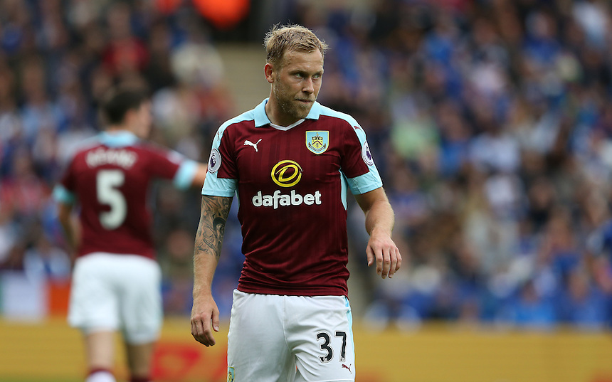 Burnley's Scott Arfield<br /> <br /> Photographer Stephen White/CameraSport<br /> <br /> The Premier League - Leicester City v Burnley - Saturday 17th September 2016 - King Power Stadium - Leicester <br /> <br /> World Copyright &copy; 2016 CameraSport. All rights reserved. 43 Linden Ave. Countesthorpe. Leicester. England. LE8 5PG - Tel: +44 (0) 116 277 4147 - admin@camerasport.com - www.camerasport.com