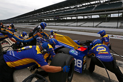 Verizon IndyCar Series<br /> Indianapolis 500 Practice<br /> Indianapolis Motor Speedway, Indianapolis, IN USA<br /> Wednesday 17 May 2017<br /> Alexander Rossi, Andretti Herta Autosport with Curb-Agajanian Honda pit stop practice<br /> World Copyright: Phillip Abbott<br /> LAT Images<br /> ref: Digital Image abbott_indyP_0517_14014