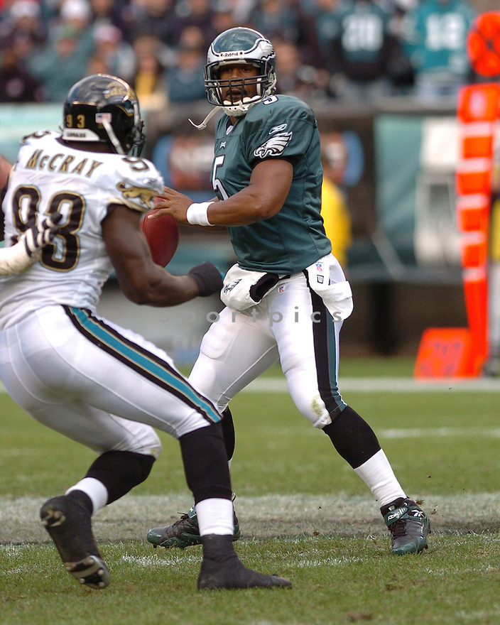 DONOVAN MCNABB of the Philadelphia Eagles  in action against the Jacksonville Jaguars on October 29, 2006 in Philadelphia PA...Jaguars win 13-6..Tomasso DeRosa / SportPics