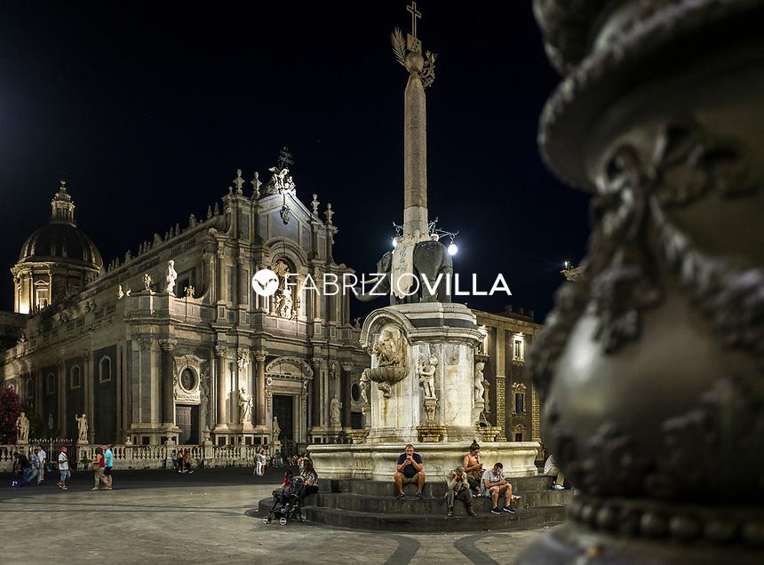 Catania, piazza Duomo di sera