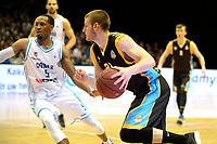 30-04-2019: Basketbal: Donar v Den Helder Suns: Groningen Den Helder speler Alex Laurent met Donar speler Teddy Gipson