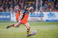 Picture by Allan McKenzie/SWpix.com - 11/03/2018 - Rugby League - Betfred Super League - Castleford Tigers v Salford Red Devils - the Mend A Hose Jungle, Castleford, England - Castleford's Luke Gale kicks a penalty.