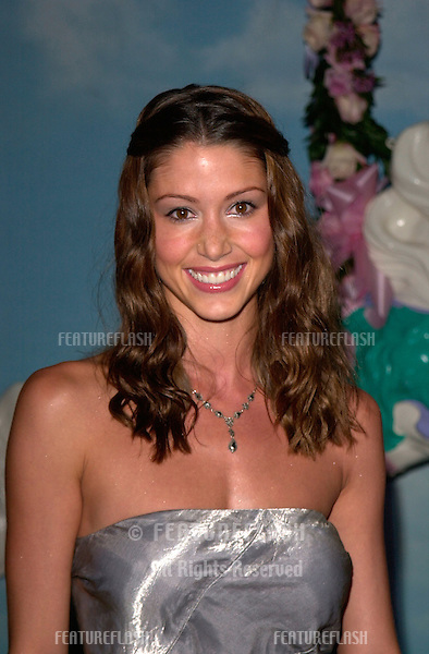 Actress SHANNON ELIZABETH at the Carousel of Hope Ball 2000 at the Beverly Hilton Hotel..28OCT2000.  © Paul Smith / Featureflash