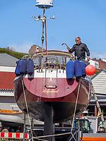 Renovierung des Motorbootes Helgoland beim Südhafen, Unterland, Insel Helgoland, Schleswig-Holstein, Deutschland, Europa<br /> Renovation of motorboat Helgoland near south port, Helgoland island, district Pinneberg, Schleswig-Holstein, Germany, Europe