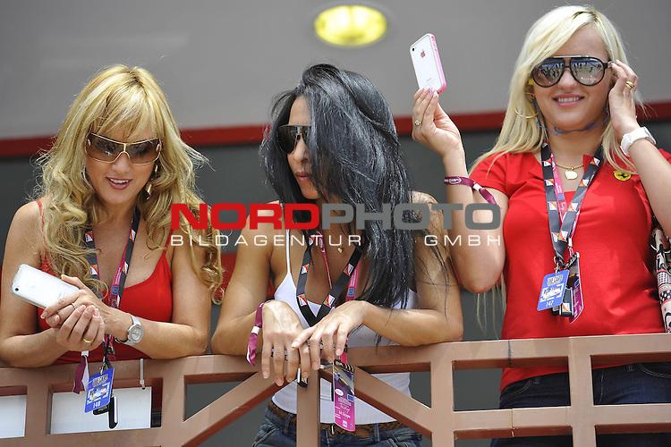 22.-24.06.2012, Valencia-Street-Circuit, Silverstone, ESP, Gro&szlig;er Preis von Europa, Valencia, RACE 08, im Bild Valencia Grand Prix Impressions - Girls<br />  Foto &copy; nph / Mathis