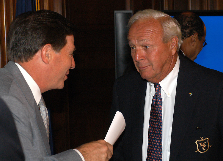 golf1/070903 - Rep. Tom DeLay, R-Tx., and golfer Arnold Palmer at The First Tee breakfast, an organization that sponsors golf play and education.