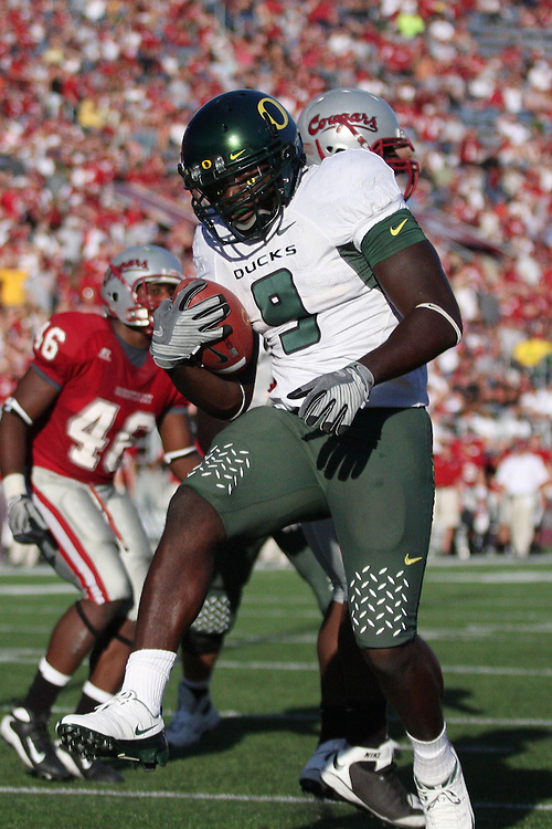Oregon running back, LeGarrette Blount (#9), dances in to the endzone to score a touchdown during the Ducks Pac-10 conference game against the Washington State Cougars at Martin Stadium in Pullman, Washington, on September 27, 2008.