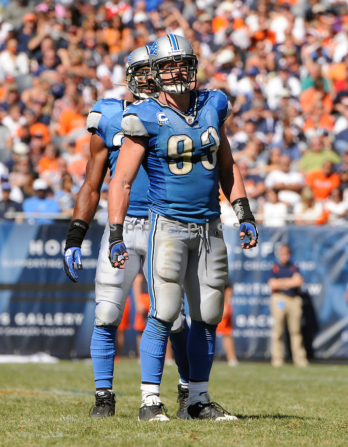 KYLE VANDEN BOSCH, of  the Detroit Lions, in action during the Lions game against the Chicago Bears at Soldier Field in Chicago, Illinois  on September 12, 2010.   Bears won the game 19-14...