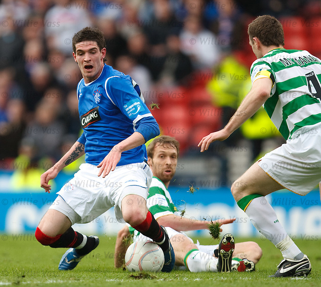 Kyle Lafferty brought down by Andreas Hinkel