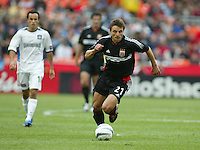 3 April 2004: DC United Dema Kovalenko in action against Earthquakes at RFK Stadium in Washington D.C..  Credit: Michael Pimentel / ISI