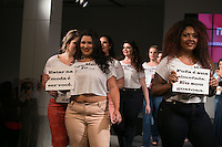 SÃO PAULO, SP, 24.07.2016 - MODA-SP - Desfile da marca Naïf  durante o 14 Fashion Weekend Plus Size que acontece neste domingo, 24 no Centro de Convenções Frei Caneca. (Foto: Ciça Neder/Brazil Photo Press)