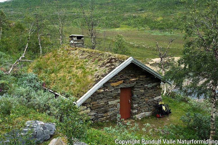 Steinstua ved Krukki på Saltfjelelt ---- Rock hut in Saltfjellet.