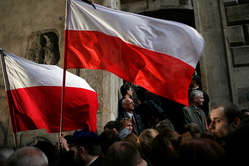 Thousands of Krakovians attended a mass at Wawel Castle Saturday evening to honor Polish President Lech Kaczynski. He and many of the country's top leaders were killed in a plane crash Saturday morning on route to the site of a Soviet massacre of Polish officers during World War II. . April 10, 2010
