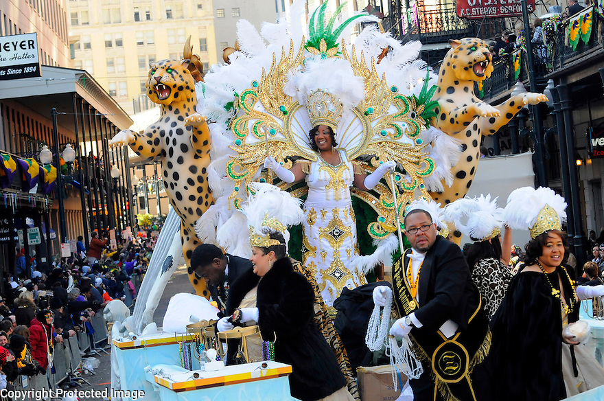 The queen of the Zulu parade waves to revelers on Mardi Gras morning as it rolls in the streets of New Orleans, Louisiana, USA 14 February 2010.
