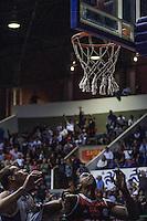 MOGI DAS CRUZES, SP, 19.05.2014 - NBB - MOGI DAS CRUZES - FLAMENGO - Lance da partida entre Mogi das Cruzes e Flamengo, válida pelo quarto jogo da série semifinal do NBB, no ginásio Hugo Ramos, em Mogi das Cruzes (SP), nesta segunda-feira.(Foto: Warley Leite / Brazil Photo Press).