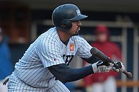 23 October 2010: Keino Perez of Rouen attempts a bunt during Savigny 8-7 win (in 12 innings) over Rouen, during game 3 of the French championship finals, in Rouen, France.