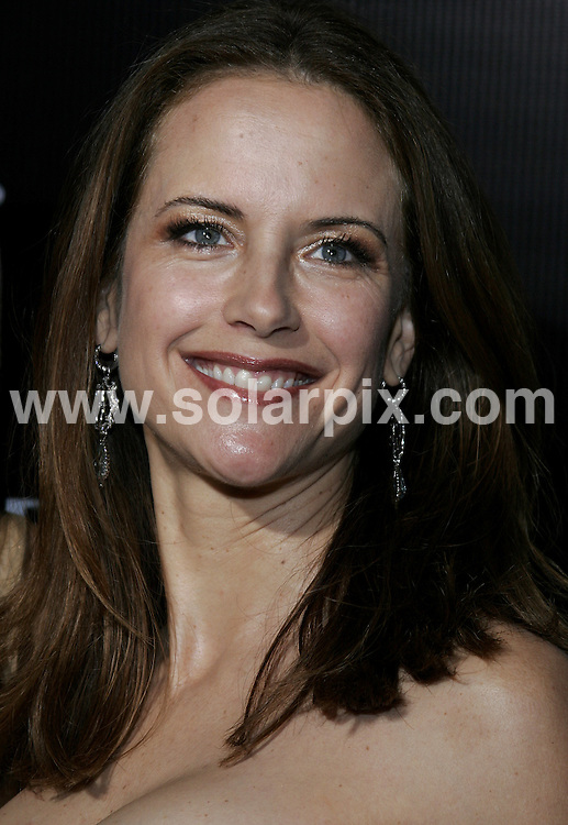 **ALL ROUND PICTURES FROM SOLARPIX.COM**.**SYNDICATION RIGHTS FOR UK, S.AFRICA, DUBAI, AUS**.This picture: Kelly Preston.Gianni and Donatella Versace Receive The Rodeo Drive Walk of Style Award - Beverly Hills City Hall - Beverly Hills, CA. USA.JOB REF:  3340   PHZ    DATE: 08/02/2007.**MUST CREDIT SOLARPIX.COM OR DOUBLE FEE WILL BE CHARGED**