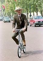 ARCHIVE: LONDON, UK. 24th July 1989: Dennis Weaver.<br /> File photo © Paul Smith/Featureflash