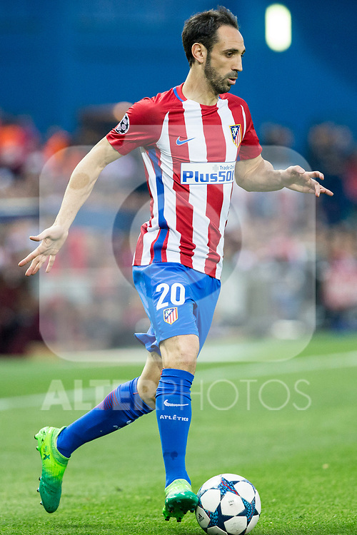 Juanfran Torres of Atletico de Madrid  during the match of  Champions LEague between  Atletico de Madrid and LEicester City Football Club at Vicente Calderon  Stadium  in Madrid, Spain. April 12, 2017. (ALTERPHOTOS / Rodrigo Jimenez)