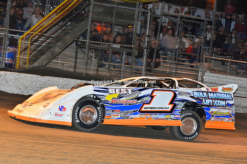 Feb 17, 2014; 7:13:50 PM;  Barberville, FL, USA;  World of Outlaws Late Model Series for 43rd Annual DIRTcar Nationals presented by Summit Racing Equipment at Volusia Speedway Park.  Mandatory Credit: (thesportswire.net)