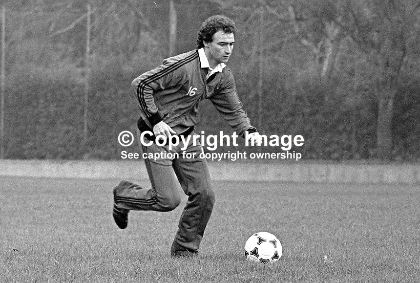 Martin O'Neill, footballer, Nottingham Forest &amp; N Ireland, at a training session prior to N Ireland's November 1980 game against Portugal at Windsor Park. 19801100399h<br /> <br /> Copyright Image from Victor Patterson, 54 Dorchester Park, Belfast, UK, BT9 6RJ<br /> <br /> t: +44 28 90661296<br /> m: +44 7802 353836<br /> vm: +44 20 88167153<br /> e1: victorpatterson@me.com<br /> e2: victorpatterson@gmail.com<br /> <br /> For my Terms and Conditions of Use go to www.victorpatterson.com