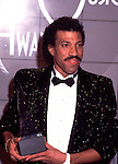 Lionel Richie  1984 American Music Awards..