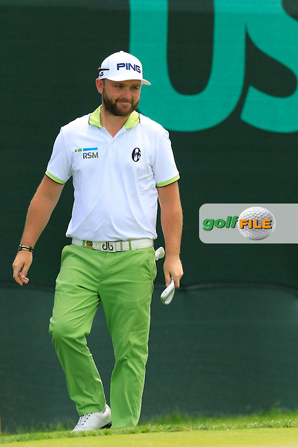 Andy Sullivan (ENG) at the 10th green during Wednesday's Practice Day of the 2016 U.S. Open Championship held at Oakmont Country Club, Oakmont, Pittsburgh, Pennsylvania, United States of America. 15th June 2016.<br /> Picture: Eoin Clarke | Golffile<br /> <br /> <br /> All photos usage must carry mandatory copyright credit (&copy; Golffile | Eoin Clarke)