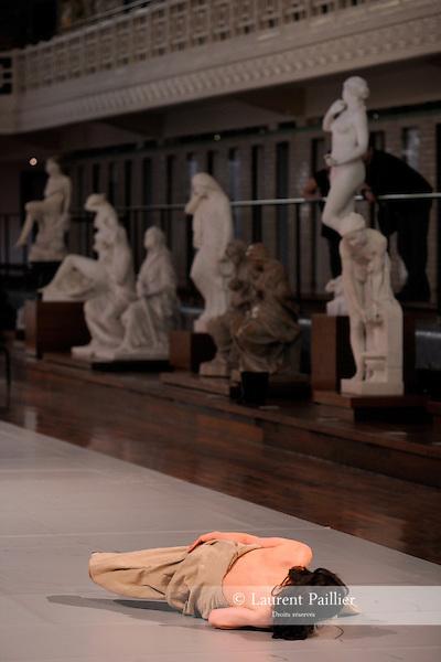 MUNDUS IMAGINALIS..Evenement unique pour musees galeries et lieux de patrimoine....Choregraphie : CARLSON Carolyn..Mise en scene : CARLSON Carolyn..Compagnie : Le Centre Choregraphique National Roubaix Nord Pas de Calais..Lumiere : BONNEAU Freddy..Costumes : ZINGIRO Chrystel GEOFFROY Emmanuelle..Avec :..KOSAKATANI Chinatsu..MAUFROID Celine..MICANI Isida..BERGER Jacky..NAKATA Yutaka..LA SADE Dimitri..Lieu : Musee La Piscine..Ville : Roubaix..Le : 05 05 2010..© Laurent PAILLIER / photosdedanse.com..All rights reserved