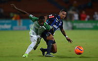 MEDELLIN-COLOMBIA- 26-04-2017. Acción de juego entre el  Atlético Nacional y   el Atlético Junior   durante encuentro  por la fecha 5 de la Liga Aguila I 2017 disputado en el estadio Atanasio Girardot./ Action game between  Atletico Nacional and  Atletico Junior during match for the date 5 of the Aguila League I 2017 played at Atanasio Girardot stadium . Photo:VizzorImage / León Monsalve / Contribuidor