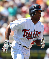 Minnesota Twins outfielder Ben Revere #11 during a spring training game against the Tampa Bay Rays at Hammond Stadium on March 26, 2012 in Fort Myers, Florida.  The Rays defeated the Twins 10-4.  (Mike Janes/Four Seam Images)
