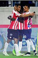 BARRANQUILLA - COLOMBIA, 29-07-2018: Teófilo Gutiérrez (Izq.), jugador de Atletico Junior celebra con sus compañeros de equipo el gol anotado a Depotivo Pasto durante partido de la fecha 2 entre Atlético Junior y Deportivo Pasto por la Liga Aguila II 2018, jugado en el estadio Romelio Martínez de la ciudad de Barranquilla. / Teofilo Gutierrez (L), player of Atletico Junior celebrates with his teammates a scored goal to Depotivo Pasto during a match of the of the 2nd date between Atletico Junior and Deportivo Pasto for the Liga Aguila II 2018 at the Romelio Martinez stadium in Barranquilla city, Photo: VizzorImage  / Alfonso Cervantes / Cont.