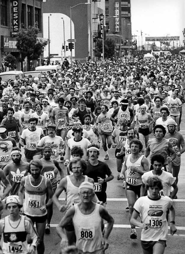 Oakland Marathon, runners coming down 13th street in Downtown Oakland. (1980 photo by Ron Riesterer)
