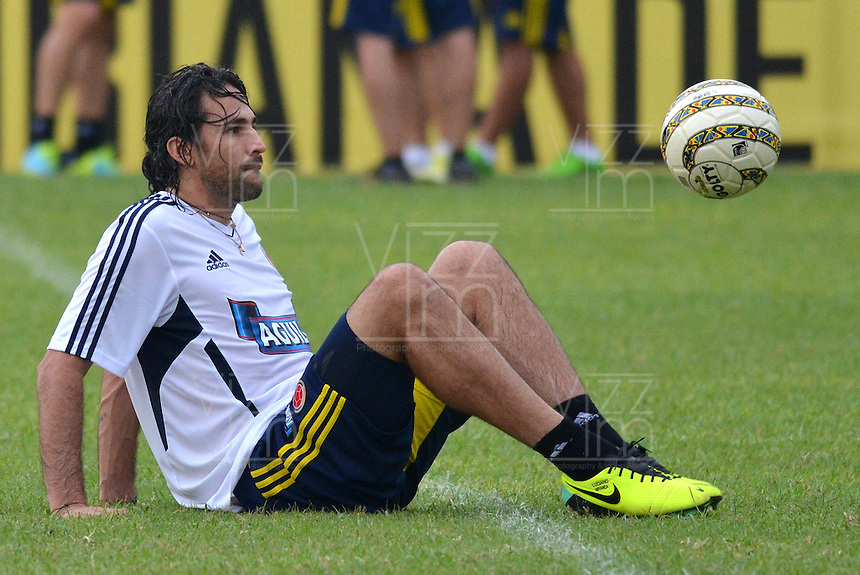 BARRANQUILLA-COLOMBIA- 7 -10--2013  Mario Yepes.Entrenamiento de la selección Colombia de mayores de fútbol en la Universidad Autónoma de Barranquilla en preparación para su encuentro con la selección de Chile rumbo al mundial Brasil 2014.  / Training biggest selection of soccer Colombia in Barranquilla Autonomous University in preparation for his meeting with the selection of Chile brazil 2014 due to global..Photo: VizzorImage / Alfonso Cervantes / Stringer