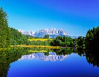 Austria, Tyrol, near Kitzbuehel: Gieringer pond and Wilder Kaiser mountains | Oesterreich, Tirol, bei Kitzbuehel: Gieringer Weiher und Wilder Kaiser