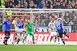 04.11.2018, Sch&uuml;coArena / Schueco Arena, Bielefeld, Deutschland, GER, 2. FBL, DSC Arminia Bielefeld vs. FC St. Pauli<br /> <br /> DFL REGULATIONS PROHIBIT ANY USE OF PHOTOGRAPHS AS IMAGE SEQUENCES AND/OR QUASI-VIDEO.<br /> <br /> im Bild Torschuss Roberto Massimo (#22 Bielefeld) zum 1-0 Bielefeld<br /> <br /> Foto &copy; nordphoto / Kurth