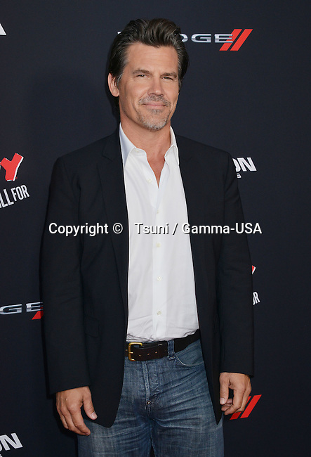 Josh Brolin  at the Sin City Premiere at the TCL Chinese Theatre in Los Angeles.