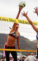 NZ's Anna Scarlett during the 2009 McEntee Hire NZ Beach Volleyball Tour - Women's final at Oriental Parade, Wellington, New Zealand on Sunday, 11 January 2009. Photo: Dave Lintott / lintottphoto.co.nz.