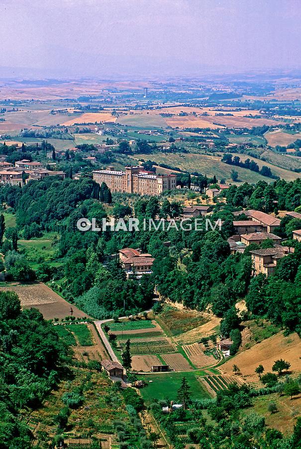 Campo agrícola na Toscana. Itália. 1998. Foto de Juca Martins.