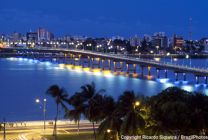 Ponte de Sao Luis ( Saint Louis bridge ) in Sao Luis ( Saint Louis ), the capital and largest city of the Brazilian state of Maranhao, is located on Ilha de Sao Luis ( Saint Louis' Island ) in the Baia de Sao Marcos ( Saint Mark's Bay ), an extension of the Atlantic Ocean which forms an estuary of several rivers in northeastern Brazil.