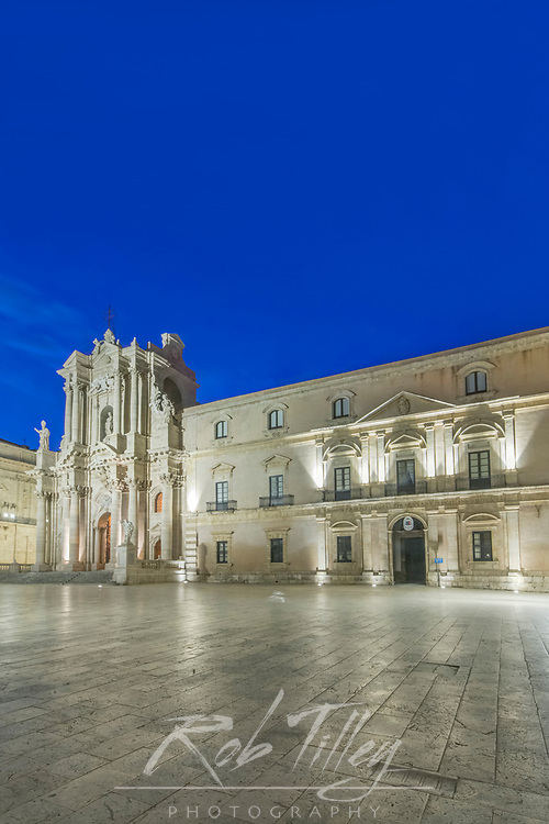 Europe, Italy, Sicily, Syracuse, Syracuse Cathedral at Dawn