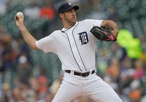 June 09, 2011:  Detroit Tigers starting pitcher Justin Verlander (#35) delivers pitch in first inning of MLB game between the Seattle Mariners and the Detroit Tigers at Comerica Park in Detroit, Michigan.  The Tigers defeated the Mariners 4-1.