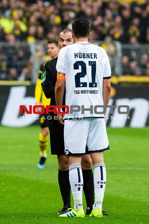 09.02.2019, Signal Iduna Park, Dortmund, GER, 1.FBL, Borussia Dortmund vs TSG 1899 Hoffenheim, DFL REGULATIONS PROHIBIT ANY USE OF PHOTOGRAPHS AS IMAGE SEQUENCES AND/OR QUASI-VIDEO<br /> <br /> im Bild | picture shows:<br /> Schiedsrichter Marco Fritz mit Benjamin Huebner (Hoffenheim #21),  <br /> <br /> Foto © nordphoto / Rauch