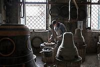 Agnone (CB): la fonderia Marinelli produce campane dal 1300 ed è la più antica fonderia di campane al mondo oltre ad essere l'azienda più longeva d'Europa e la terza nel mondo.<br /> Tutto viene prodotto a mano come 700 anni fa.<br /> Nel 1924 Papa Pio X conferì alla famiglia Marinelli l'onore di avvalersi dello stemma pontifico.<br /> <br /> <br /> <br /> Agnone (CB): the Marinelli foundry produces bells since 1300 and is the oldest bell foundry in the world as well as being the longest running company in Europe and the third largest in the world.<br /> Everything is made by hand just like 700 years ago.<br /> In 1924 Pope Pius X gave to the Marinelli the honor to use of the Pontifical emblem.