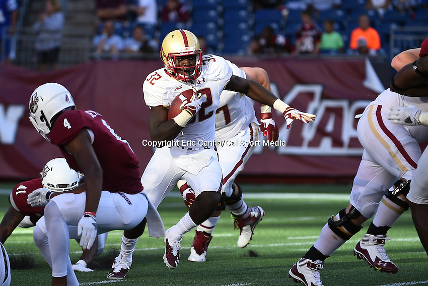 August 30, 2014 - Foxborough, Massachusetts, U.S. - Boston College Eagles running back Jon Hilliman (32) finds a hole during the NCAA Division I football game between Boston College Eagles and the University of Massachusetts Minutemen held at Gillette Stadium in Foxborough Massachusetts. Boston College defeated The Minutemen 30-7. Eric Canha/CSM