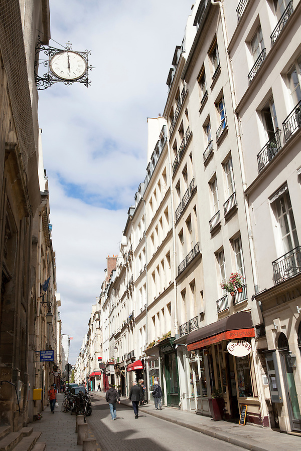 Rue Saint-Louis en L'ile, Ile Saint-Louis, Paris, France