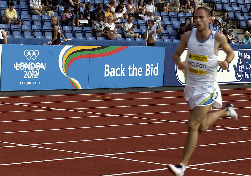 Photo. Henry Browne..Norwich Union London Grand Prix Athletics at Crystal Palace. 30/07/2004..Under 20 Mens 3000m..