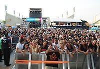 RIO DE JANEIRO, RJ, 16 MARÇO 2013 - RIO VERÃO FESTIVAL 2013 - Publico durante a segunda edição do Rio Verão Festival 2013 na Praça da Apoteose no Rio de Janeiro, neste sábado, 16. (FOTO: SANDRO VOX / BRAZIL PHOTO PRESS).