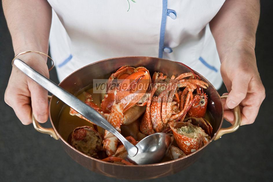"""Europe/France/Bretagne/29/Finistère/Cléden Cap Sizun : le Homard au chaudron recette de'Huguette le Gall du restaurant """"l'Etrave"""""""